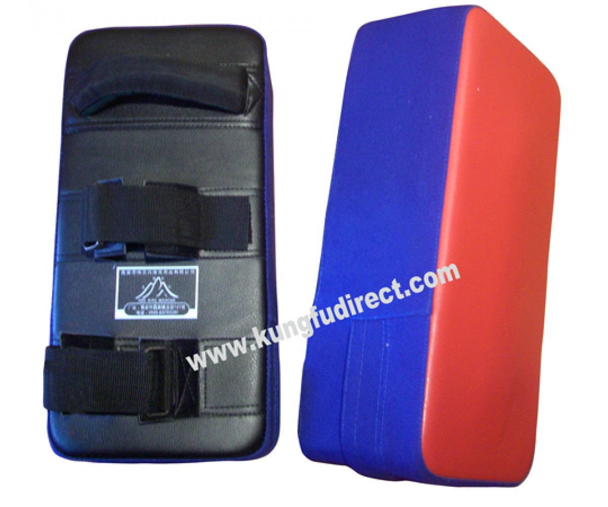 NM004 -Striking Pad Professional - Leather Red/Blue